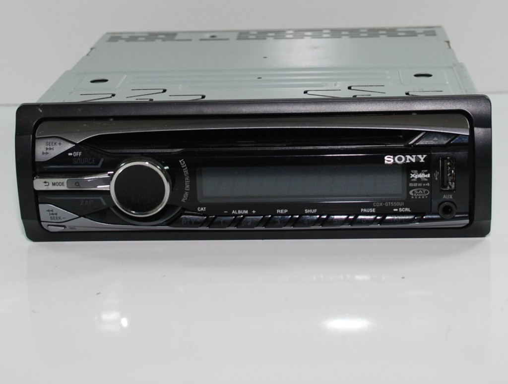Sony CDX-GT550UI MP3/WMA/AAC CD AM FM Radio Car Stereo